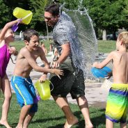 Water-fight-children-water-play